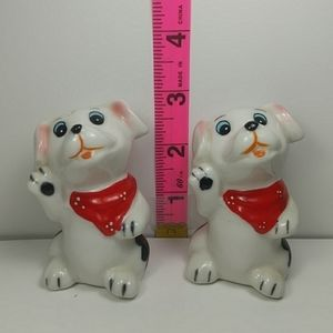 Waving puppy salt and pepper shakers